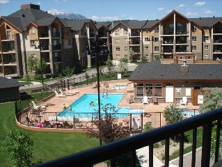 Invermere *Kids Paradise* Luxury 3 BR Lake-Front Resort Condo*