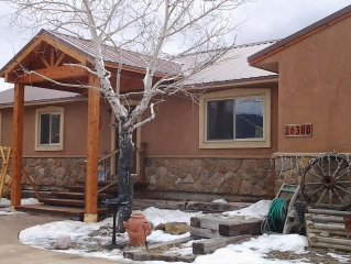 Great views, perfect Mtn get-away central location! Hot tub & Pool Table