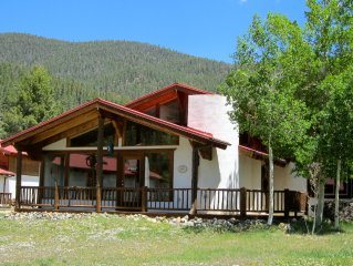 4th NT FREE-Sept* Adorable Chalet w/  Views -Walk to Everything! Next to River