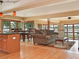 Beautiful Lakefront Home on Delavan Lake!