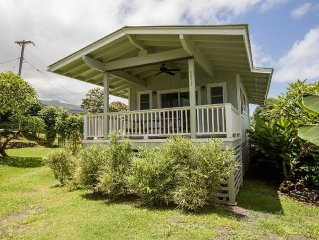 Beautifully upgraded Cottage in the heart of Hana town, sleeps 2 with 1bed/1ba