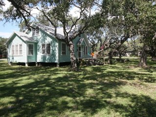 Updated Farm House on 1/2 Acre 1 Block From Aransas Bay