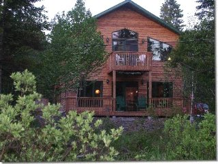 Enjoy This Pristine Year Round Beautiful Hide-Away Lake Home!