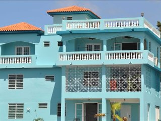 1st Class Home, Panoramic Sunset/White Water Views, Private POOL, Walk to Beach