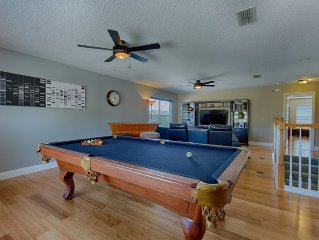 Ultra Modern Disney Star Villa! Game room with Pool table! 5 STAR gated!  2019