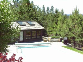 Pool House Retreat! Pool! Bend's Westside!  Sleep