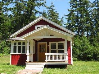 Adorable Lopez Island Cottage