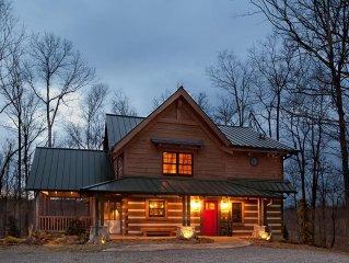 Caspian Cottage - 30mi to Nashville, jacuzzi, fireplaces, Wi-Fi