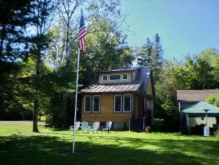 'The Shire' a Charming Waterfront Cabin on Rangeley Lake