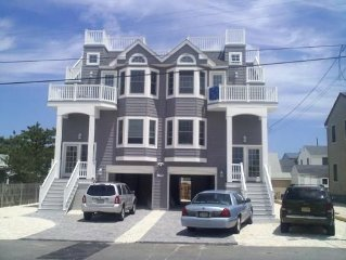 AMAZING OCEANBLOCK HOME! GORGEOUS BREATHTAKING OCEAN/BAY VIEWS!!