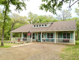 Hurry for Spring Break! Kamden's Place nestled in trees! 4bed/2bath sleeps 16