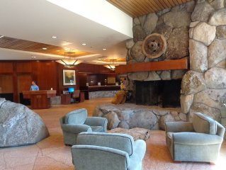 Resort at Squaw Creek: Forest View Fireplace Suite