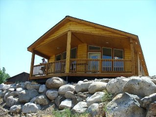STAY ON THE YELLOWSTONE RIVER ! GREAT VIEWS !! SLEEPS 4  ! VERY COMFORTABLE!