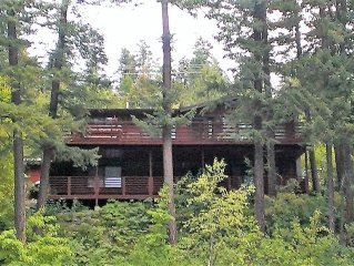 Vacation Home on Beautiful Swan Lake in Quiet Emerald Bay
