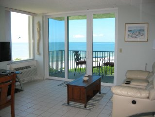 Renovated Direct Gulf View, Fabulous Sunsets, Walk 7 Miles Of White Sandy Beach