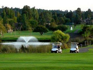 Country Club Condo, Golf, Pool, Hot Tub, Mountain