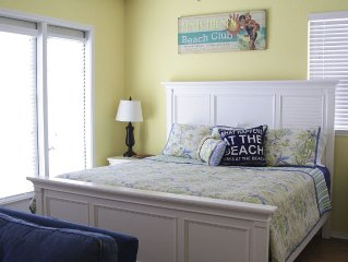 Book your summer NOW!  1bdr 1 block From Beach, Sleeps 4