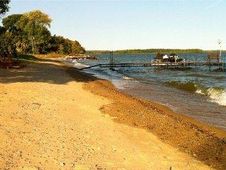 Leech Lake Log Home With Flat, Sandy Beach, Family And Pet Friendly