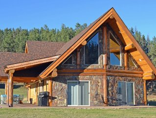 Gorgeous Log Home In Convenient Location With Tree View Near Mickelson Trail
