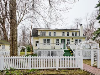 Charming 7 Bedroom Home + Coach House, Great for Summer Getaways!