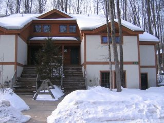 3 to 5 Bedroom Boyne Mountain Disciples Ridge Condo/Sleeps 16