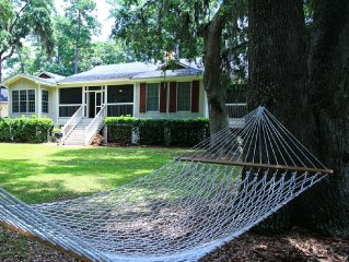 Premier 3-Bedroom Cottage; 6-Seat Cart; 4 Free Boat/GT Tickets