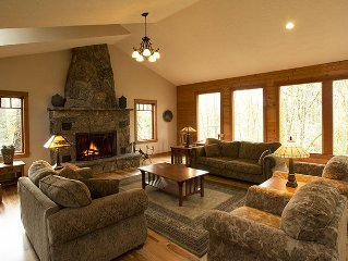 Mountain Style Lodge within walking distance to downtown McMinnville!