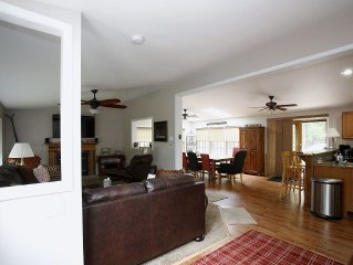 Beautiful spacious home 5BR, 3 Bath, Family Friendly, Wifi, Game Room & Bar!