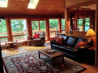 Newly Renovated, Cozy Mountain Home- Ideal Romantic Getaway or Family Fun!