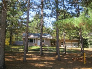 Retreat in the Pines! Convenient for families, fishers, and snowmobilers.