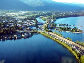 Clean, Airy And Bright One Bedroom Apartment In Beautiful Sandpoint, Idaho