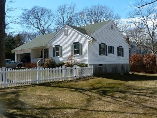 3 Br North Fork Getaway In Private Beach Community