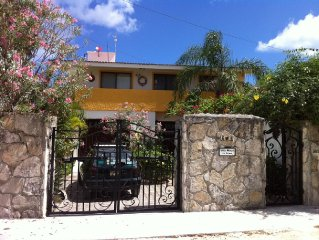 Beautiful Beach House in Cozumel, Secure, Close but not too close to Everything