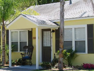 Living on Island Time #3 - Cozy coastal cottages with a whole lot of charm!