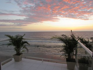 Luxurious Beach Front Penthouse 'IN' Montanita On The Boardwalk 3 Bed, 2 Bath