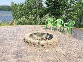 Hamlin Lake Vacation Retreat - 3 Bedroom Home With Lake View, Dock & Access