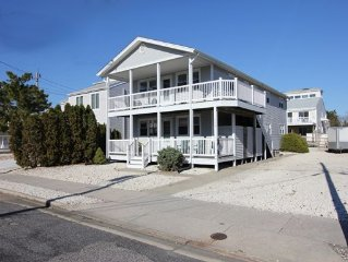 Tranquil South End Of Avalon (65th St) - 1.5 Blocks From Beach!  NO students.