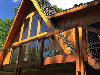 Beautiful  newly remodeled Private Cabin on Spectacular Red Cedar Lake