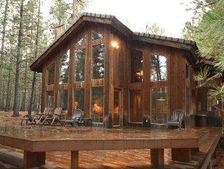 Perfectly Located Black Butte Home Sleeps 10