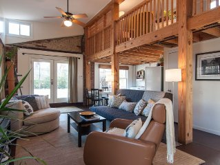 12 South Loft - Peaceful, private guesthouse in a perfect location!