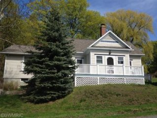 Remodeled School house Near Lake Michigan, 3Br, 2Ba, Quiet paved Road, Sleeps 9