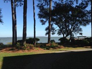Lagoon & Partial Ocean View 2br/2bth, Ground Floor, 3 Pools,  Quiet Beach/pier