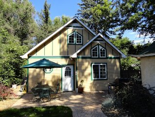 Beautiful cottage - great location in Old Town near Colorado State University!