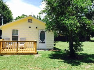 Cottage Completely Remodeled in 2015 - Walk to Downtown - 'the Dora Dream'