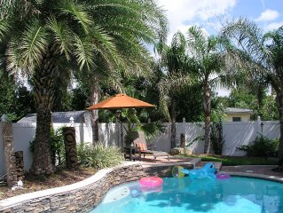 Enjoy Salt Life! Special Rate! Luxury 5 BR & 3 Bath Pool! Min. Walk 2 Beach!:)