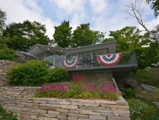 The Mid-Century Glass Cottage 3 Bedroom and 2 Bathrooms on Walloon Lake!