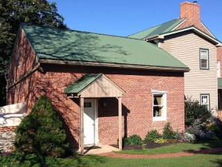 Guest House on Picturesque Farm Near Shady Maple Smorgasbord