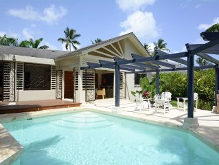 Return Listing - Villa with private pool walking dist. from everything