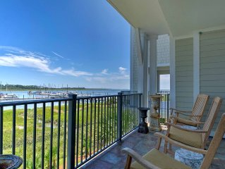 Luxury Waterfront Condo w/Spectacular Views of Marina & Intracoastal Waterway