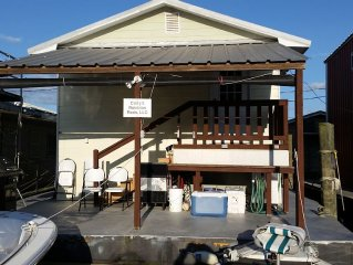 Venice Houseboat For Rent - Cell # *******-1369 - There is a $75 cleaning fee.